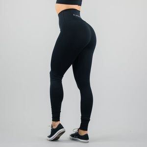 ISO Alphalete Revival shorts/leggings